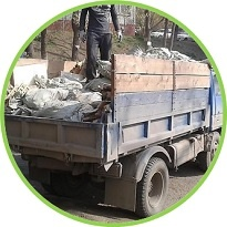 Вывезти мусор 4 тонны на автомобиле баф или газон в компании Максивывоз