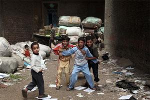 Дети заббалинов собирают мусор